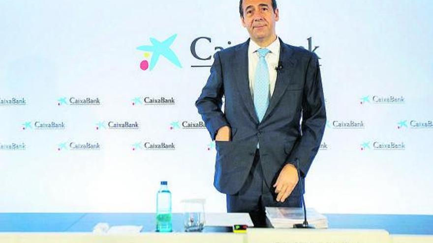 CaixaBank defiende el ERE frente a la presión del Gobierno