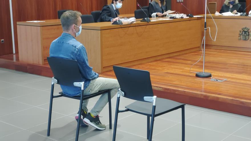 La fiscal pide seis años de cárcel por estafar 30.000 euros a su expareja en Zaragoza