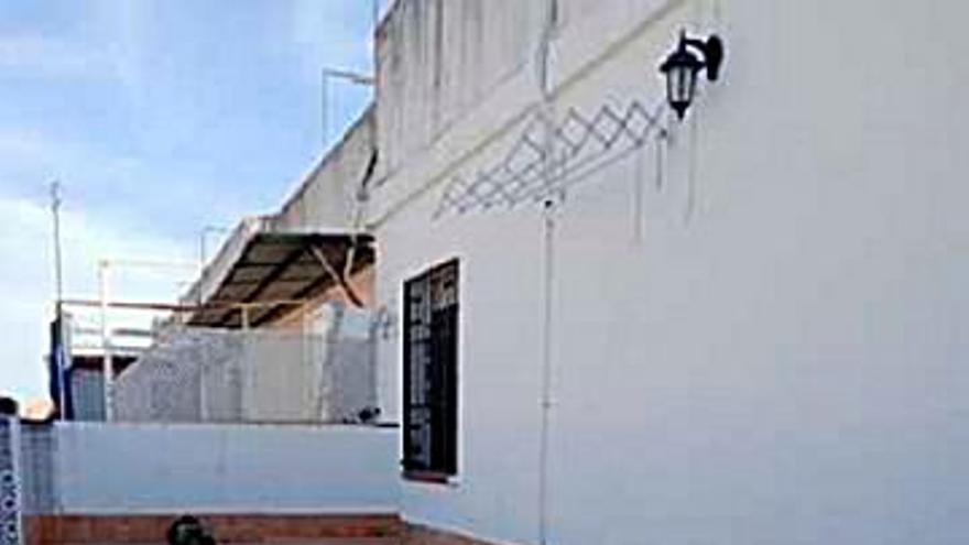 120.000 € Venta de ático en Sagunto, Fátima, Levante (Córdoba) 95 m2, 2 habitaciones, 1 baño, 1.263 €/m2...