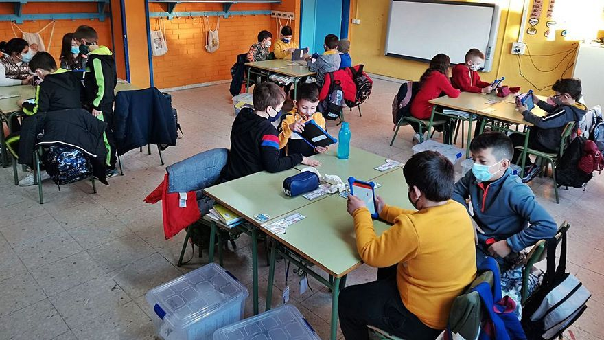 "Escolares de Corvillón trabajan con ""Digi-Craft"""