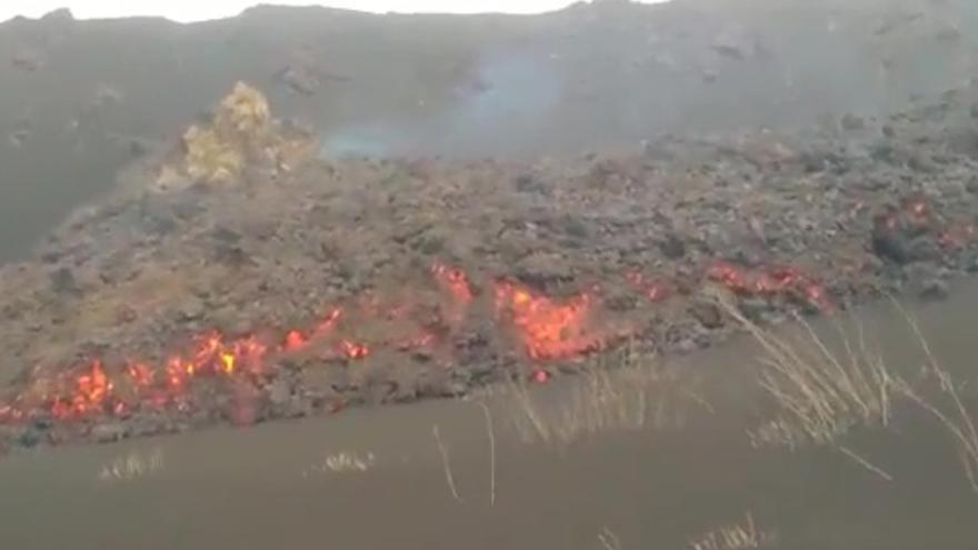 Nueva colada al sur del cono principal del volcán de La Palma