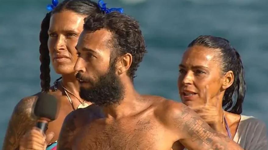 """Máxima tensión en Supervivientes: Omar Sánchez denuncia trampas Supervivientes 2021 y sus compañeros lo acusan de """"traidor"""""""