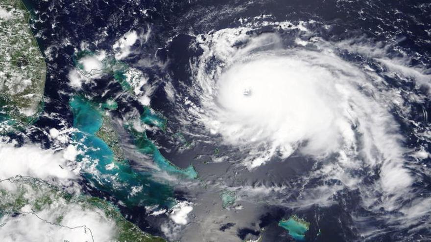 El 'Dorian' llegará a Bahamas convertido en huracán de máxima categoría