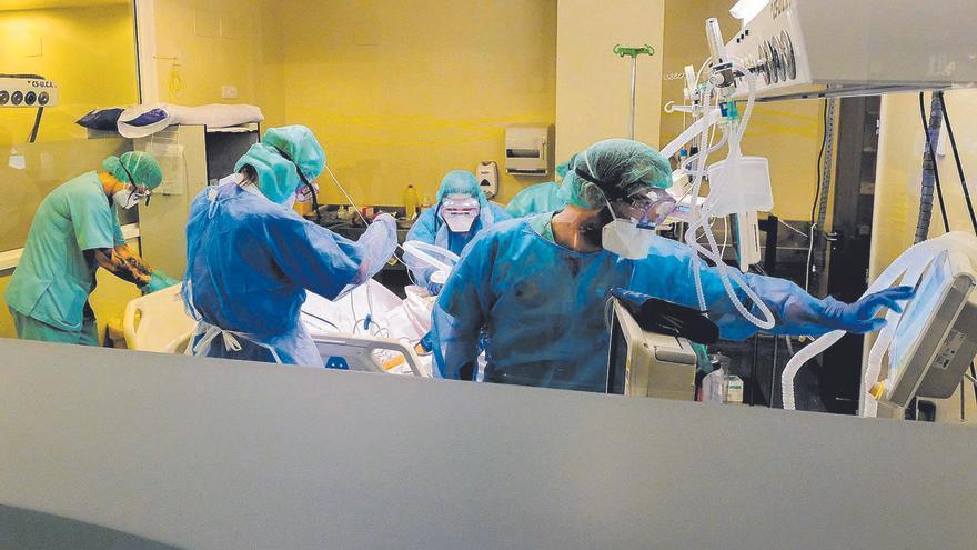 El Negrín roza el sobresaliente en  una encuesta hecha a los pacientes