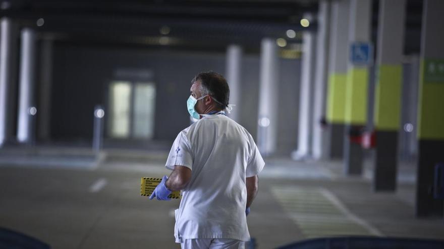 Salud habilitará un punto de vacunación masiva en el aparcamiento del HUCA