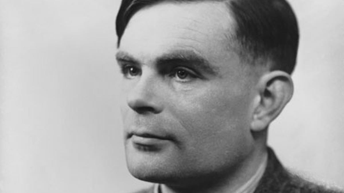 Alan Turing, es considerado uno de los padres de la ciencia de la computación.