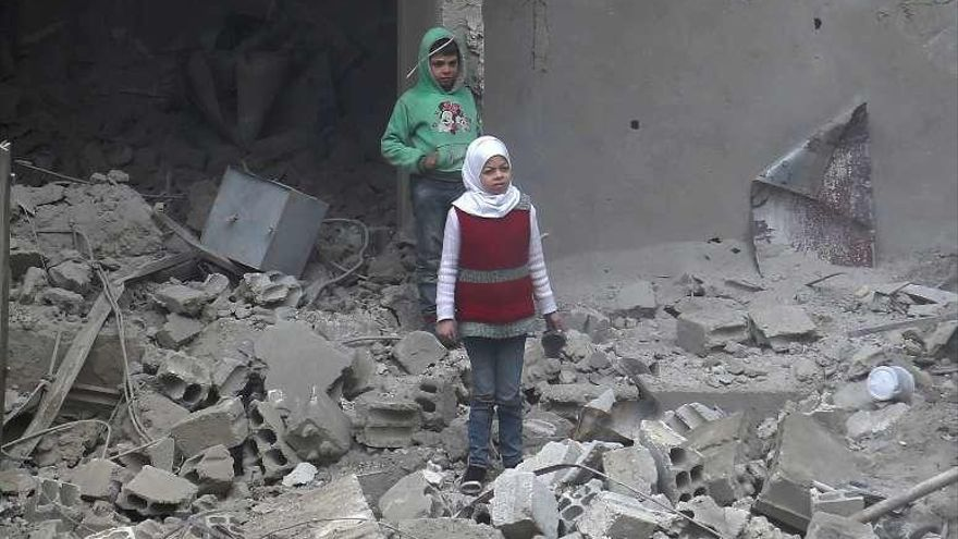 Los civiles sirios muertos en Guta ya superan los 400 tras cinco días de bombardeos
