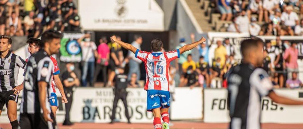 Morilla celebra su gol ante el Linense. | A. C. F.