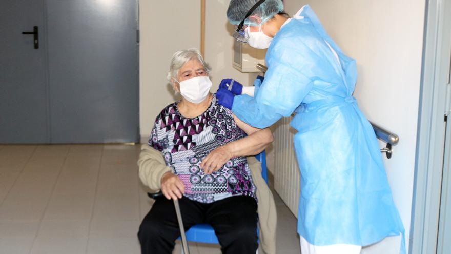 La Comunidad Valenciana ya administra la segunda dosis de la vacuna contra el coronavirus