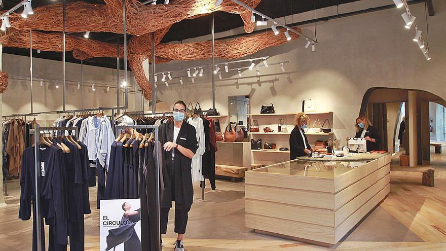 Adolfo Domínguez abre su tienda insignia en el Paseo