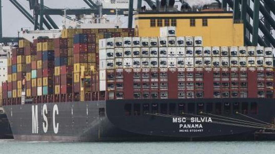 Los estibadores bloquean los cambios del sistema operativo en el Puerto de València