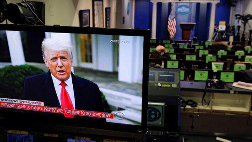 """Trump promet fer """"una transició ordenada"""" per a la presidència de Biden"""