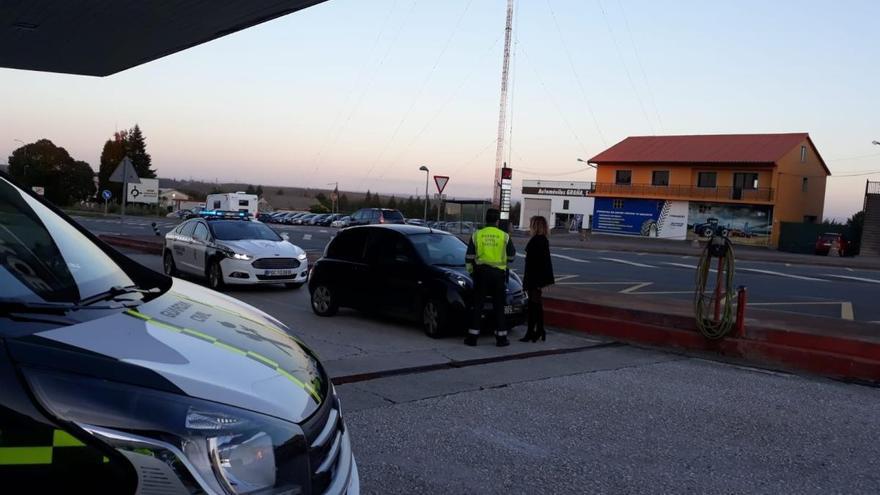 Localizada en Ordes una conductora ebria con un menor en el coche