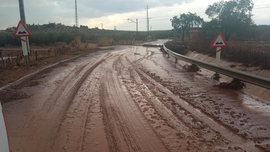 El servicio de Carreteras de la Diputación de Córdoba continúa trabajando en las vías afectadas por las lluvias