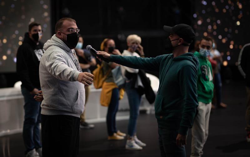 Visita al escenario del Carnaval virtual en compañía de los grupos