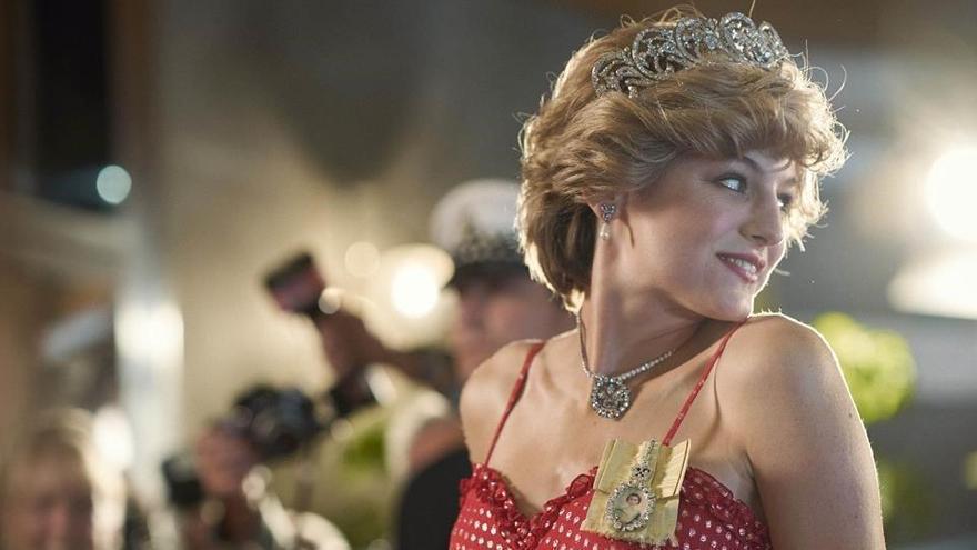 La família reial britànica, indignada amb 'The Crown'