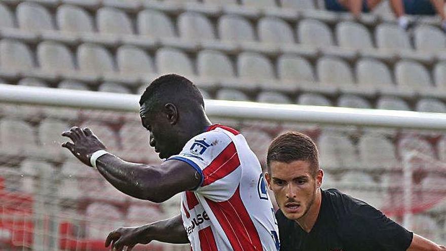 El Murcia eleva a seis sus fichajes con Carrillo y Marcos Mendes