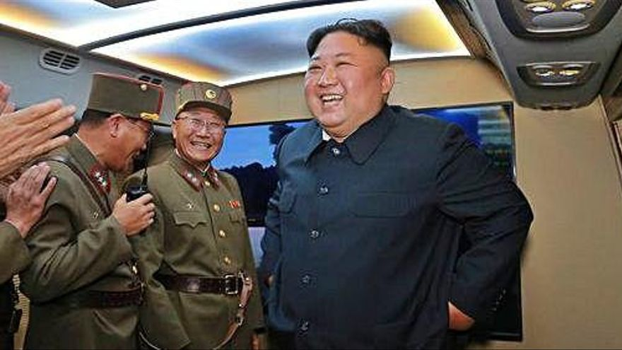 Corea del Nord llança un nou tipus de míssil per dissuadir els EUA