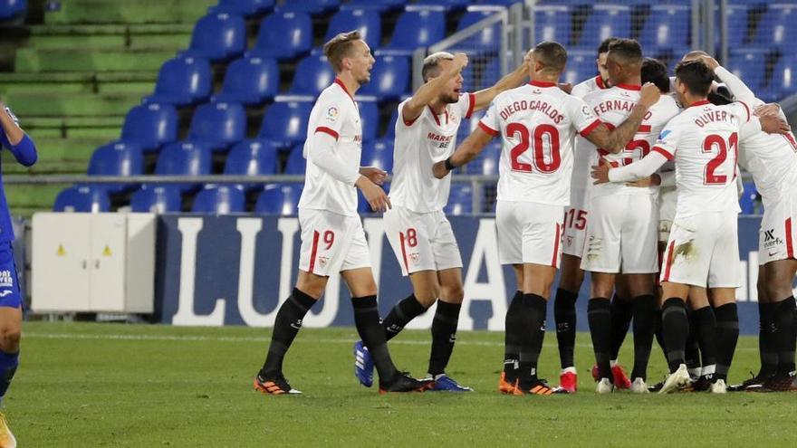El Getafe regala la victoria al Sevilla con un gol en propia puerta