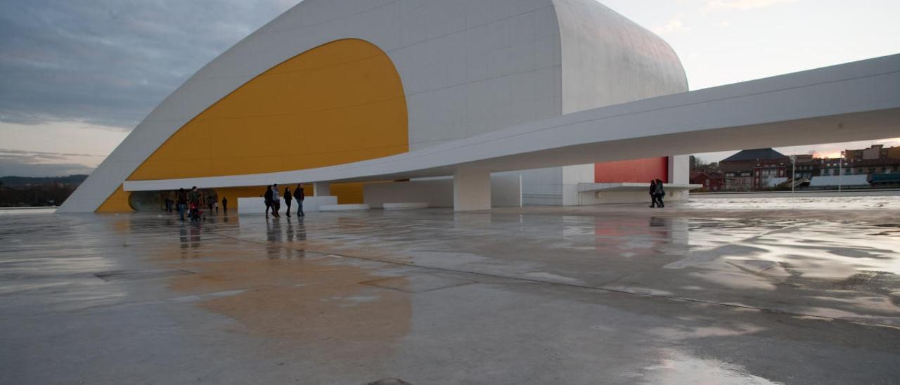 """El control del patronato del Niemeyer de las cuentas fue """"limitado"""", según el juez"""