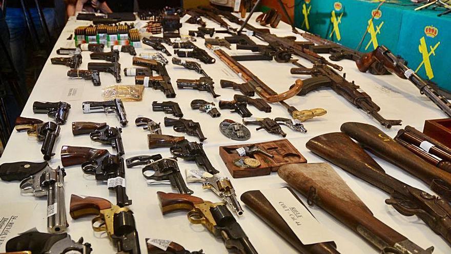 El dueño del mayor arsenal del área afronta seis delitos por tenencia de armas prohibidas