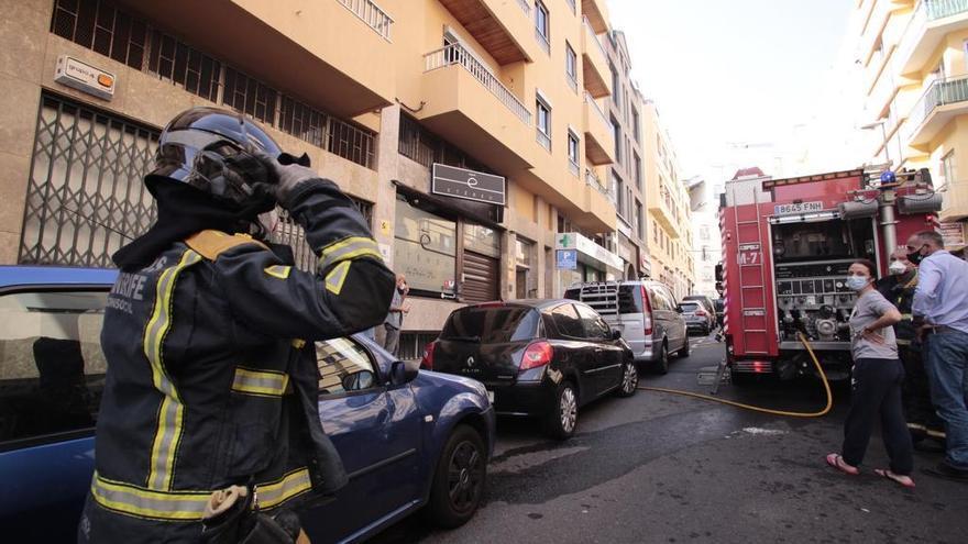Declarado un incendio en una vivienda de Santa Cruz de Tenerife