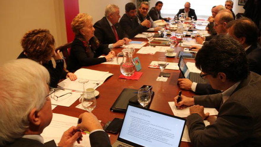 Les Cambres de Comerç catalanes reclamen l'aturada total dels sectors no estratègics