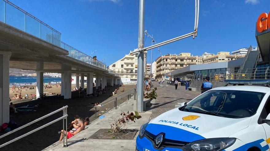 La Policía Local interviene en La Cícer por la presencia de jóvenes que no usaban mascarilla y estaban de botellón