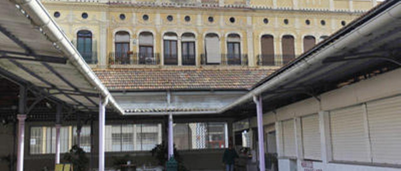 Instalaciones interiores del Mercado del Grao.