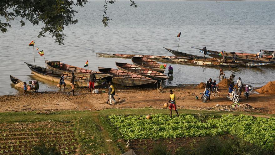 Aumentan a 81 los muertos por el naufragio de un barco en Nigeria