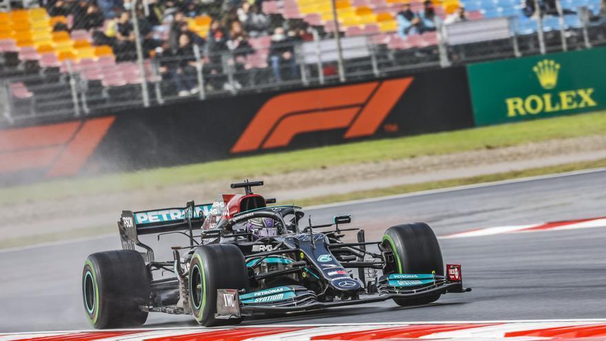 Hamilton se reivindica con la 'pole' pero saldrá undécimo, con Alonso quinto en la parrilla