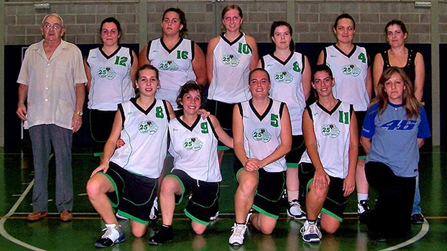 Fallece Ricardo Cormenzana, un referente del baloncesto femenino en Baleares y fundador del UDYR