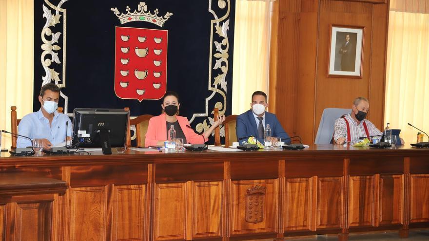 Lanzarote reclama al Gobierno que pare la proliferación de jaulas marinas