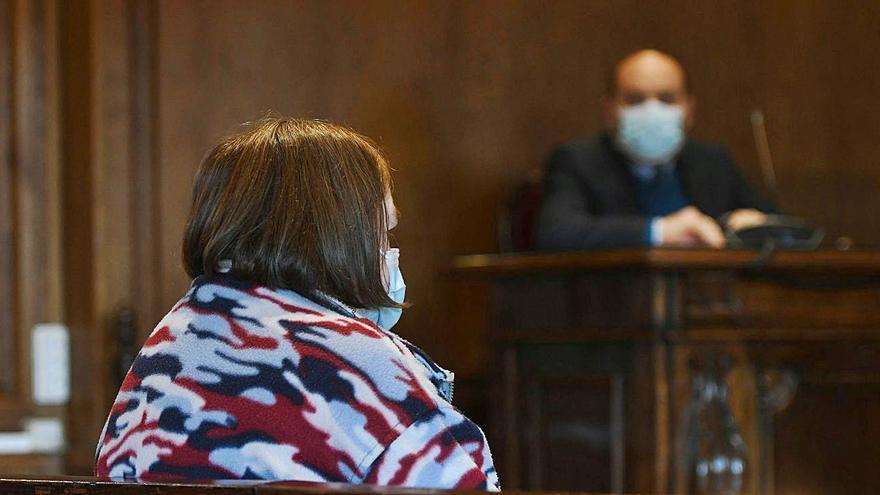 Una estradense admite que intentó matar a su marido y asume tres años de prisión