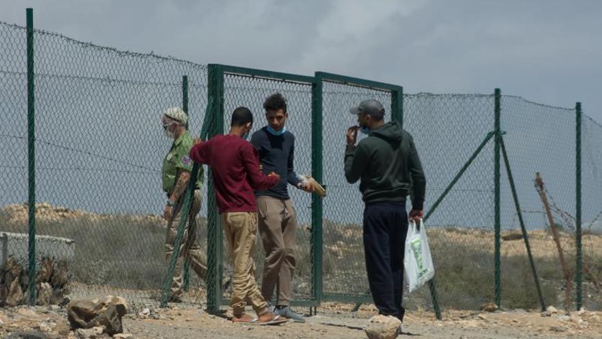 Los vuelos de deportación no cesarán pese al cierre marroquí del espacio aéreo