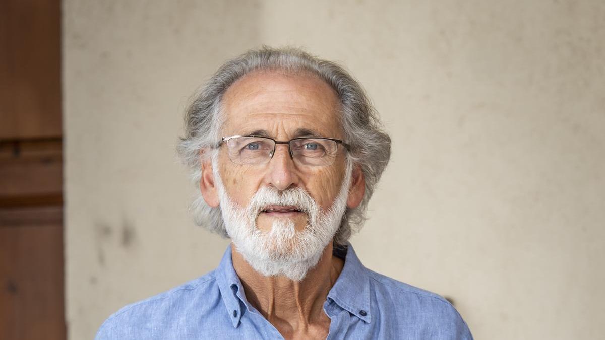 L'historiador Enric Tubert fotografiat a Agullana
