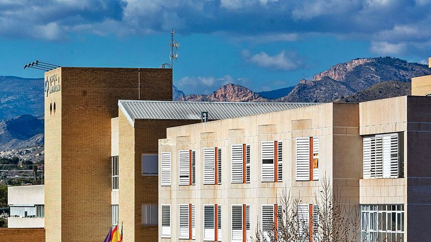 Benidorm exige a Puig declarar «estratégica» la ampliación del Hospital para acortar los plazos