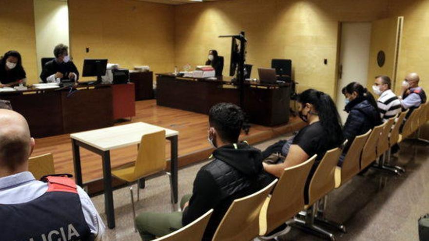 Jutgen set acusats d'obligar dones a exercir la prostitució a Castelló, una d'elles menor