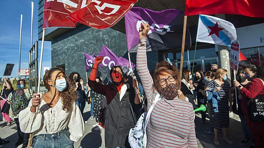 Las teleoperadoras de Abai, en huelga por sus derechos