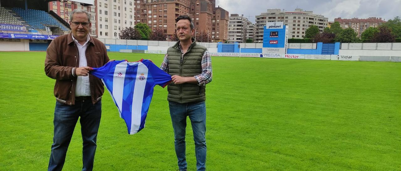 Presentación del nuevo entrenador del Real Avilés, Chiqui de Paz.