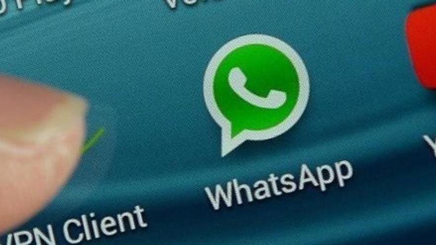 Una versió falsa de WhatsApp per a iPhone roba informació dels usuaris