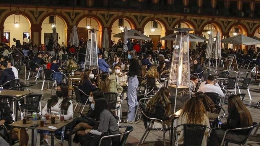 El gasto de los andaluces en Semana Santa se reduce hasta un 54%