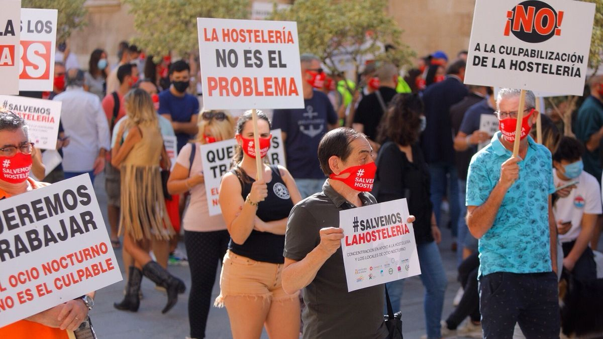 """Hosteleros de València: """"Si nos prohíben tener ingresos, que nos eximan de los gastos"""""""