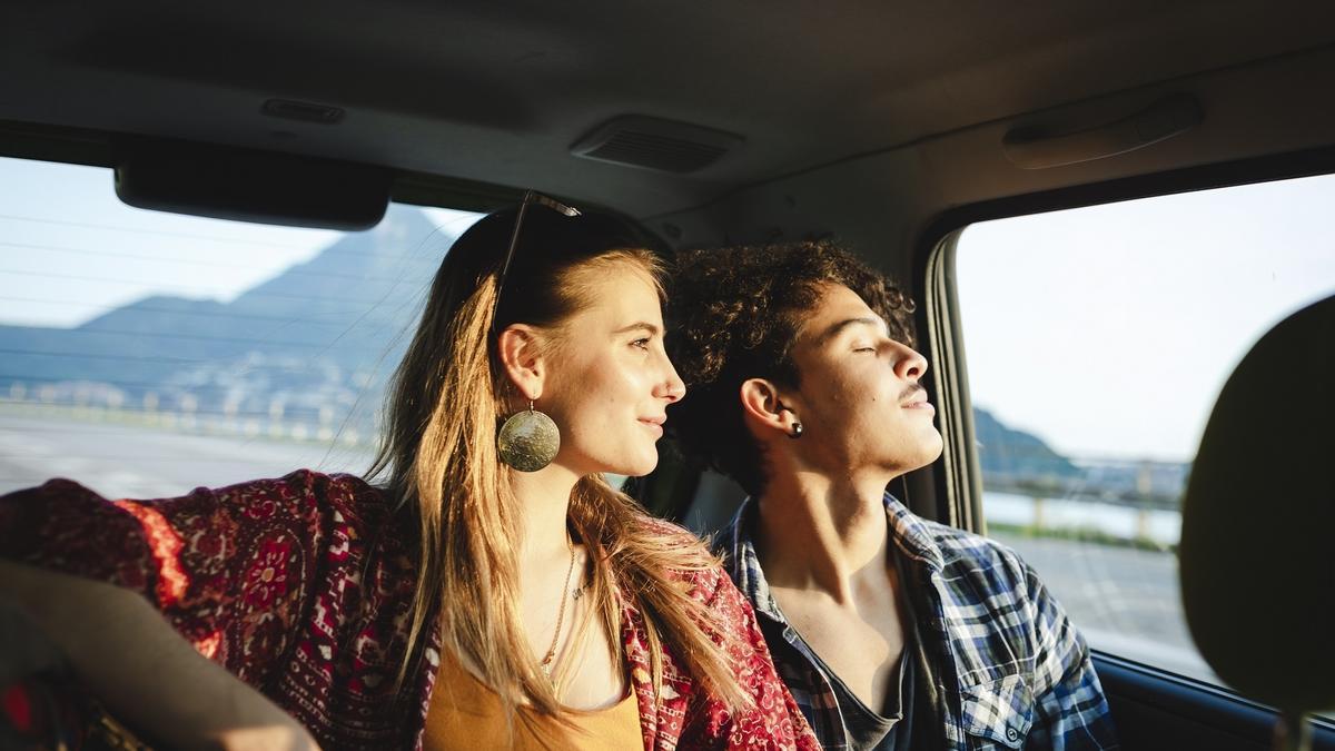 Imagen de pareja viajando