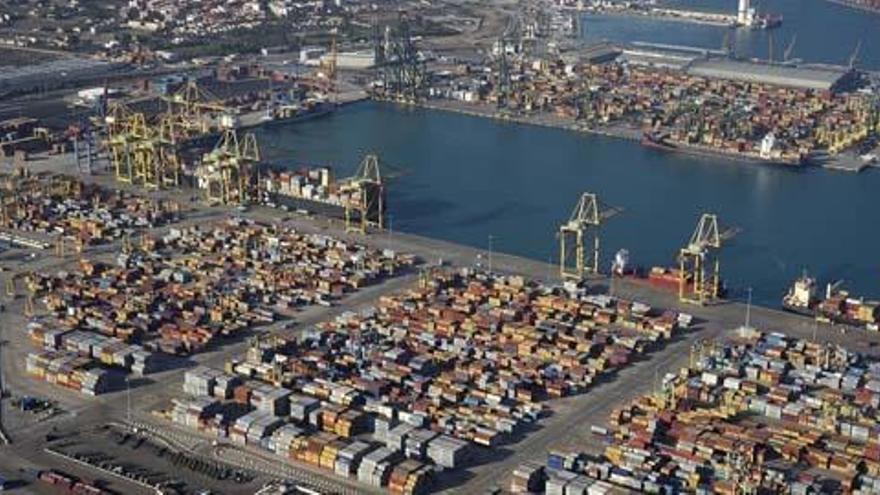 Camiones y trenes saldrán del puerto de València por un túnel submarino