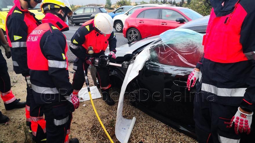 Una mujer herida en un accidente de tráfico en la carretera de Sóller