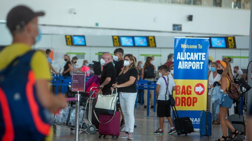 El aeropuerto recupera en octubre los vuelos a Marruecos con dos enlaces semanales con Tetuán