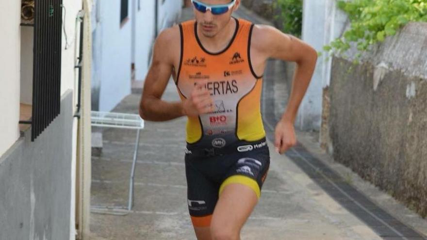Nicolás Puertas, campeón de Europa júnior de Triatlón Cross