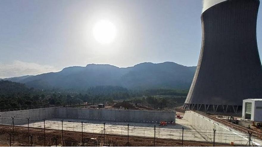 Las nucleares amenazan con cerrar tras el plan del Gobierno para bajar la luz