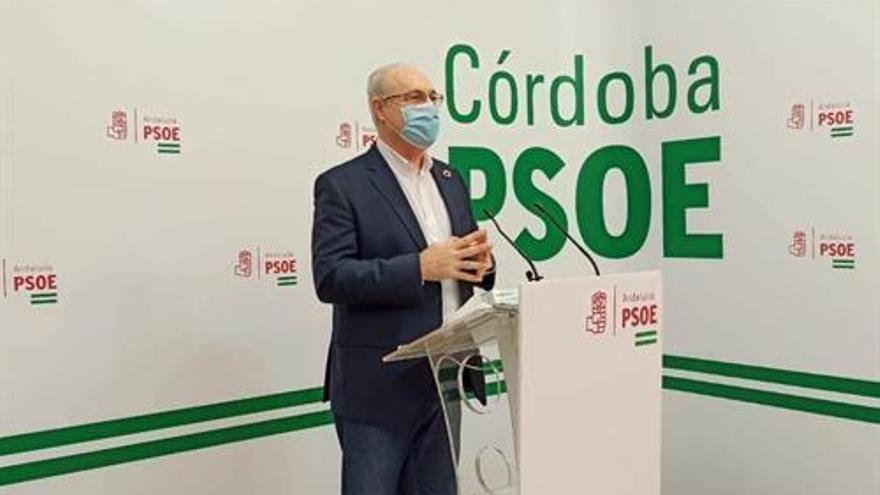 """El PSOE-A insta a Moreno a elegir ya en el Presupuesto entre sus votos o el """"chantaje"""" de Vox"""